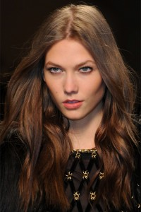 Karlie-Kloss-Walk-at-the-2012-Fall-Winter-Paco-Rabanne-Show-01