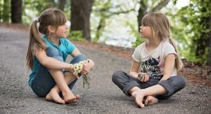 conversatie_intre_copii