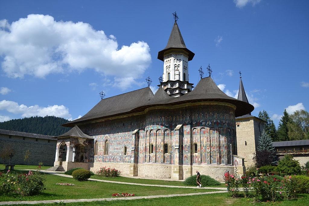 Biserica din incinta Mănăstirii Sucevița