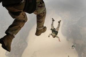 Sărituri cu parașuta
