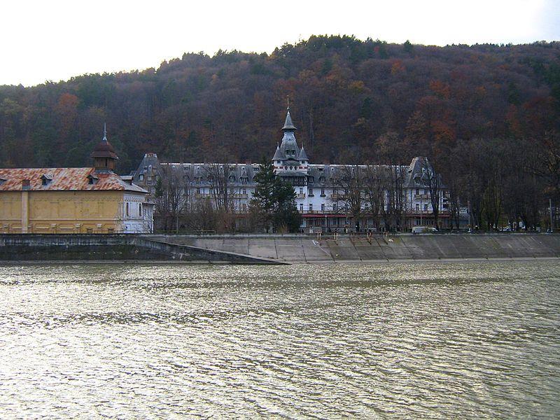 Pavilionul Central din Călimănești, Sursa: http://www.flickr.com/photos/cod_gabriel/2053296338/