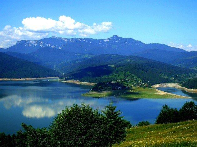 Lacul Izvorul Muntelui (Bicaz)ز Foto: Mihaela Scutaru