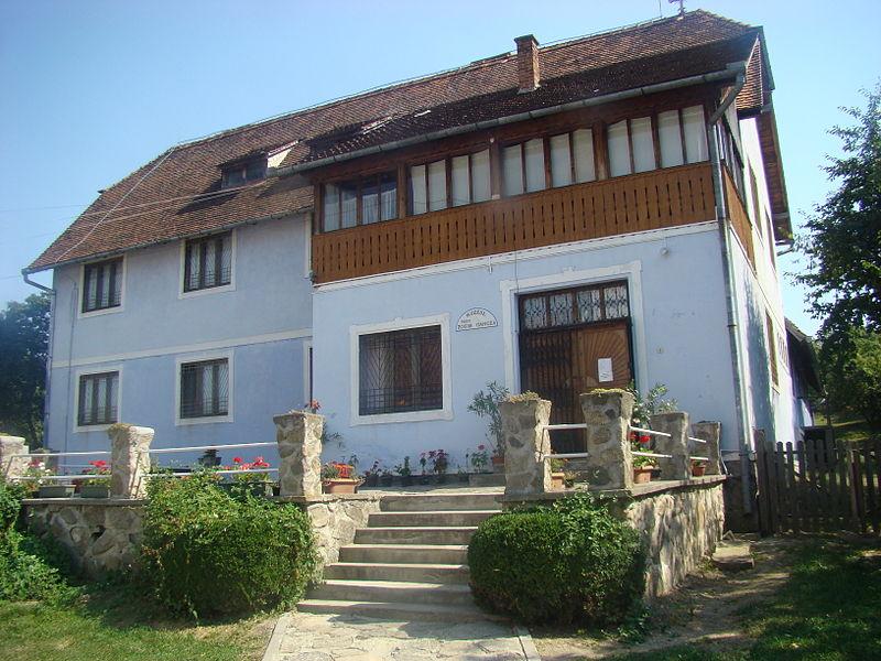 Muzeul de Icoane pe Sticlă Zosim Oancea, Sibiel (Foto: Mircea Rareș, Wikipedia)